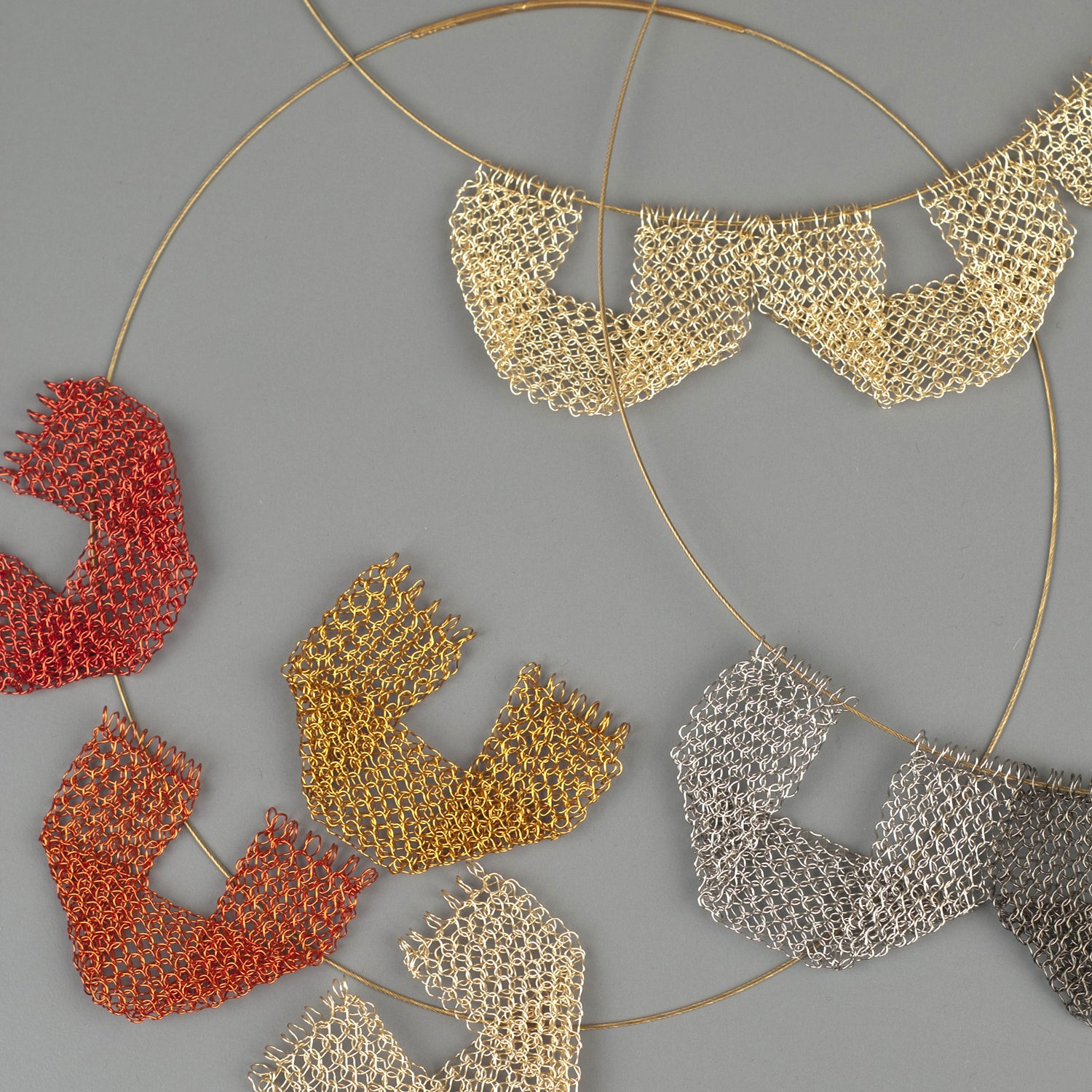 Keep it simple - a new geometric wire crochet necklace - Yooladesign