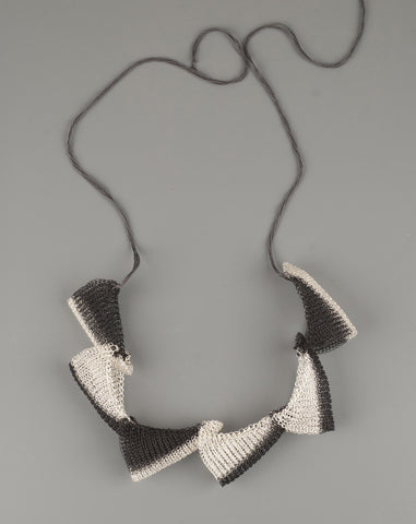 contemporary wire necklace