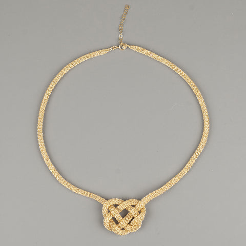 bold celtic heart knot