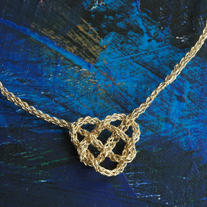 How to wire crochet a celtic heart necklace  - DIY kit - Yooladesign
