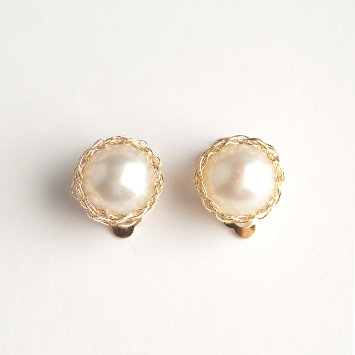 Gold Pearl clip on earring , Wire crochet earrings - Yooladesign