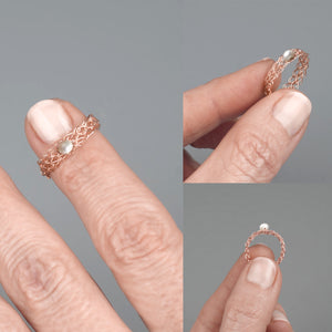 Thin rose gold ring with a pearl - Yooladesign