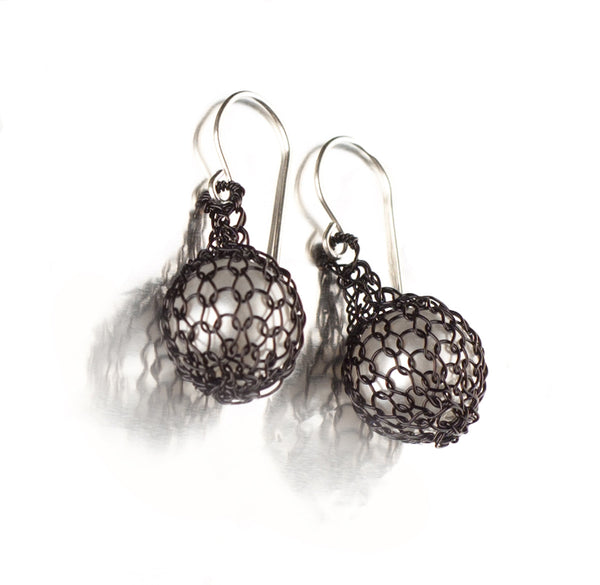 BLACK Wire crochet earrings - Pearl jewelry - Faux perl earrings in black - Yooladesign