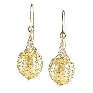 Wire crochet earrings - Pearl jewelry - Faux perk earrings in Gold - Yooladesign