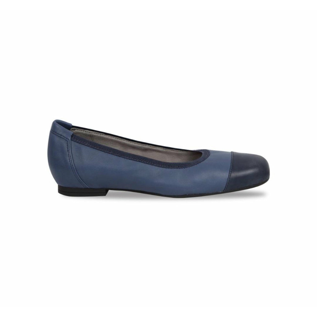 Danielle Blue Pumps