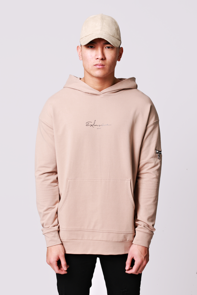 SIGNATURE PULLOVER HOODIE · SAND
