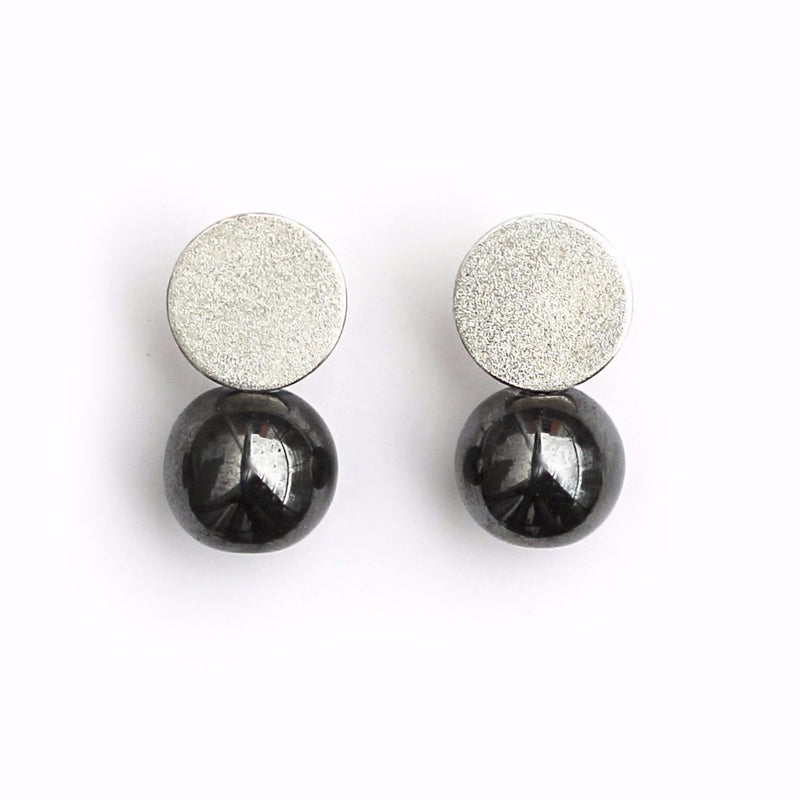"Earrings ""Pearl Play"" with hematites"
