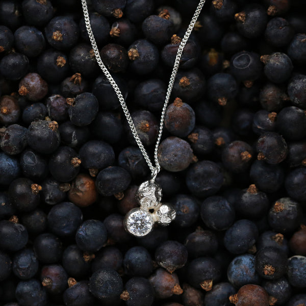 "Necklace ""3 Juniper Berry"" with Zircon"