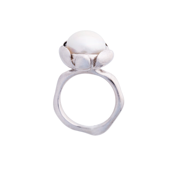 "Blossom Ring ""White Pearl"" Large"