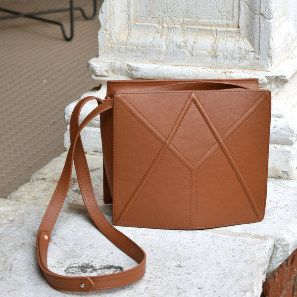 "Facet Bag ""Caramel Brown"""