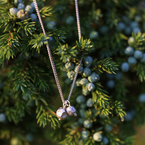 "Necklace ""2 Juniper Berry"""