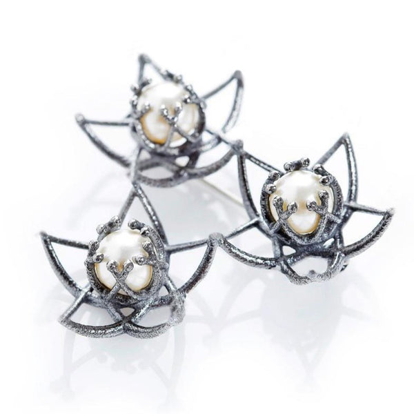 "Brooch ""Ice"" with pearls"