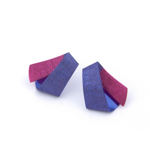"Koi Ginrin Tiny Earrings ""Blue-Mild Fuchsia"""