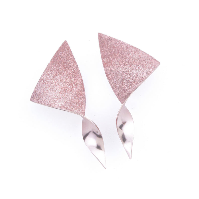 "Nano Triangle Earrings ""Pink"""