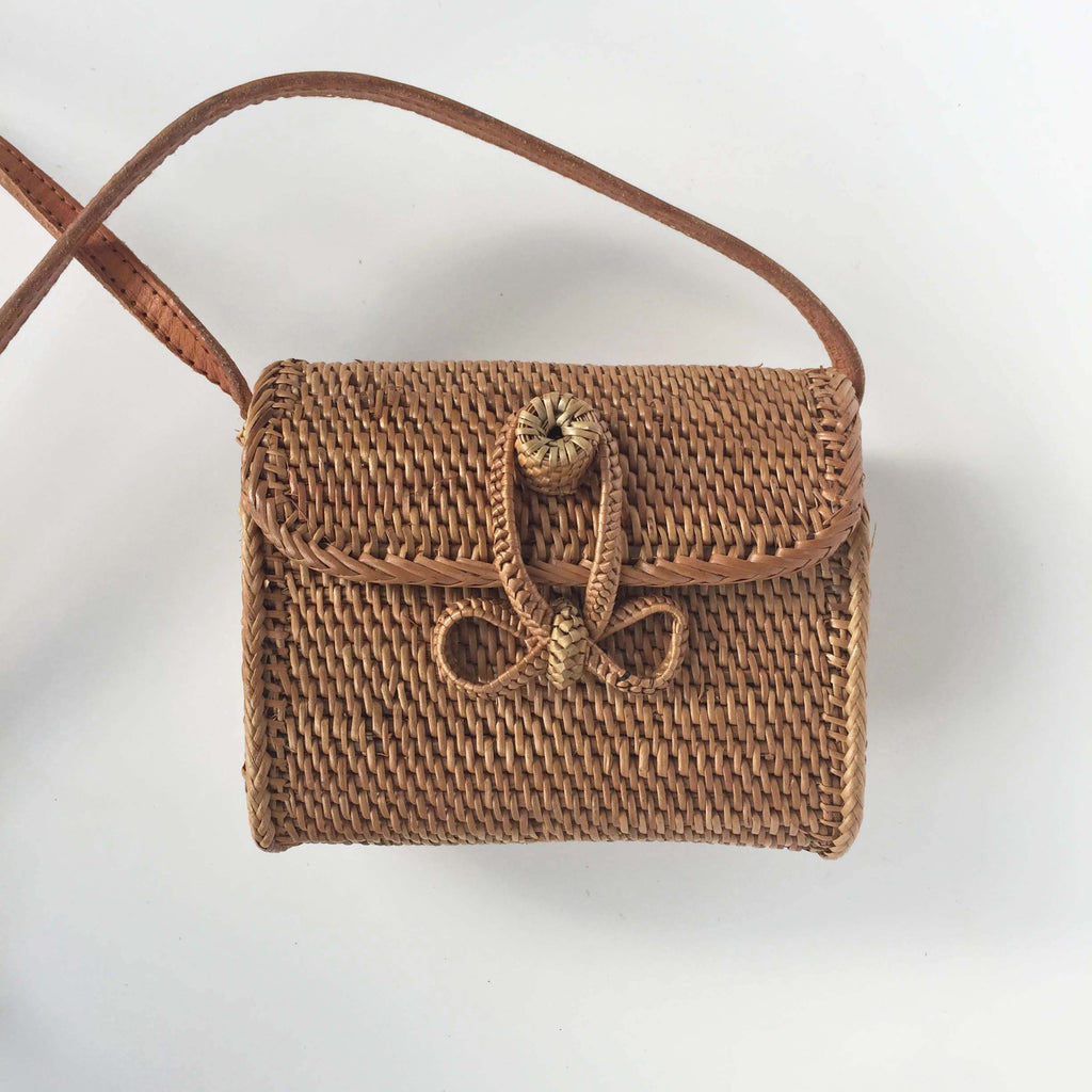 MINI ENVELOPE BASKET BAG