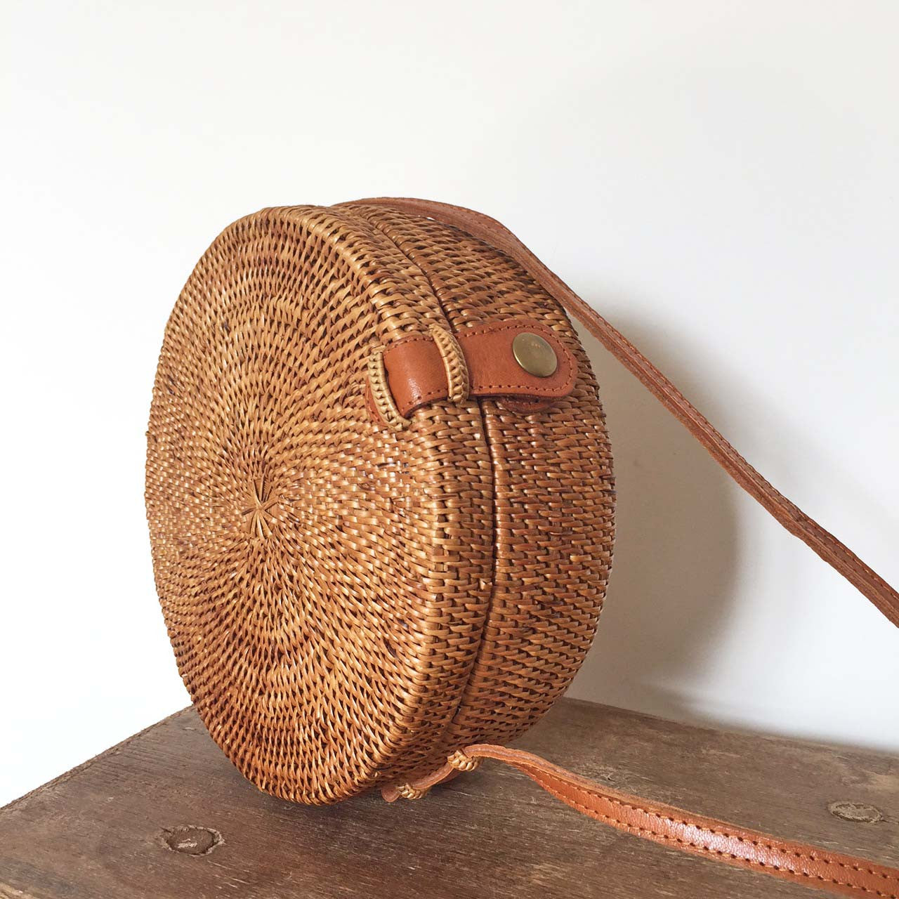 Round Woven Bag Wood Grey