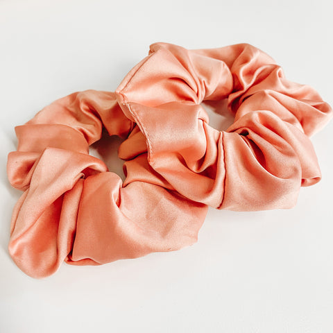 Peach Tea Scrunchie