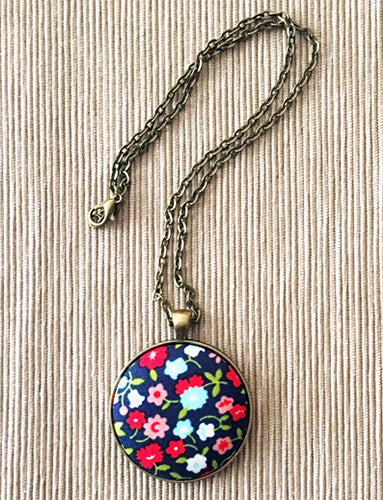 Making a Fabric Button Pendant Necklace Tutorial