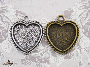 25.5mm Vintage Heart Trays