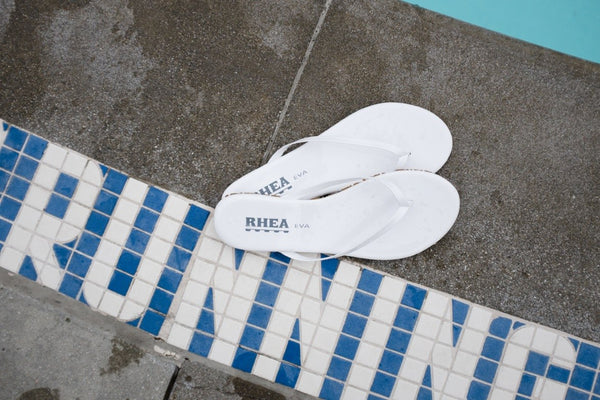 pool_swimming_summer_ladies_flipflops_lafashion_slipresistant_white
