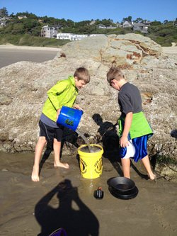 Kids Using The Gold Rush Nugget Bucket