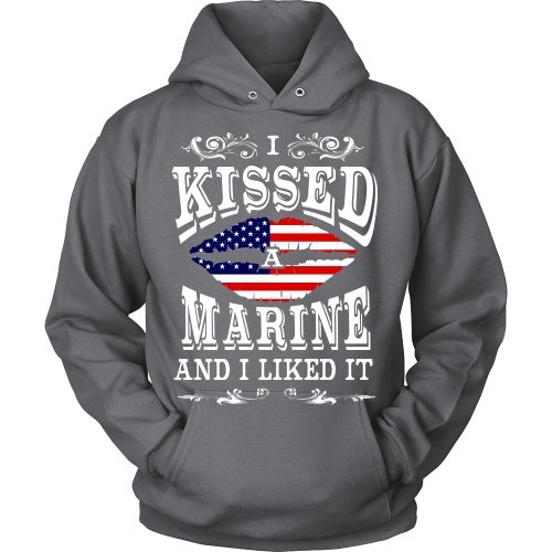 T-shirt - I Kissed A Marine