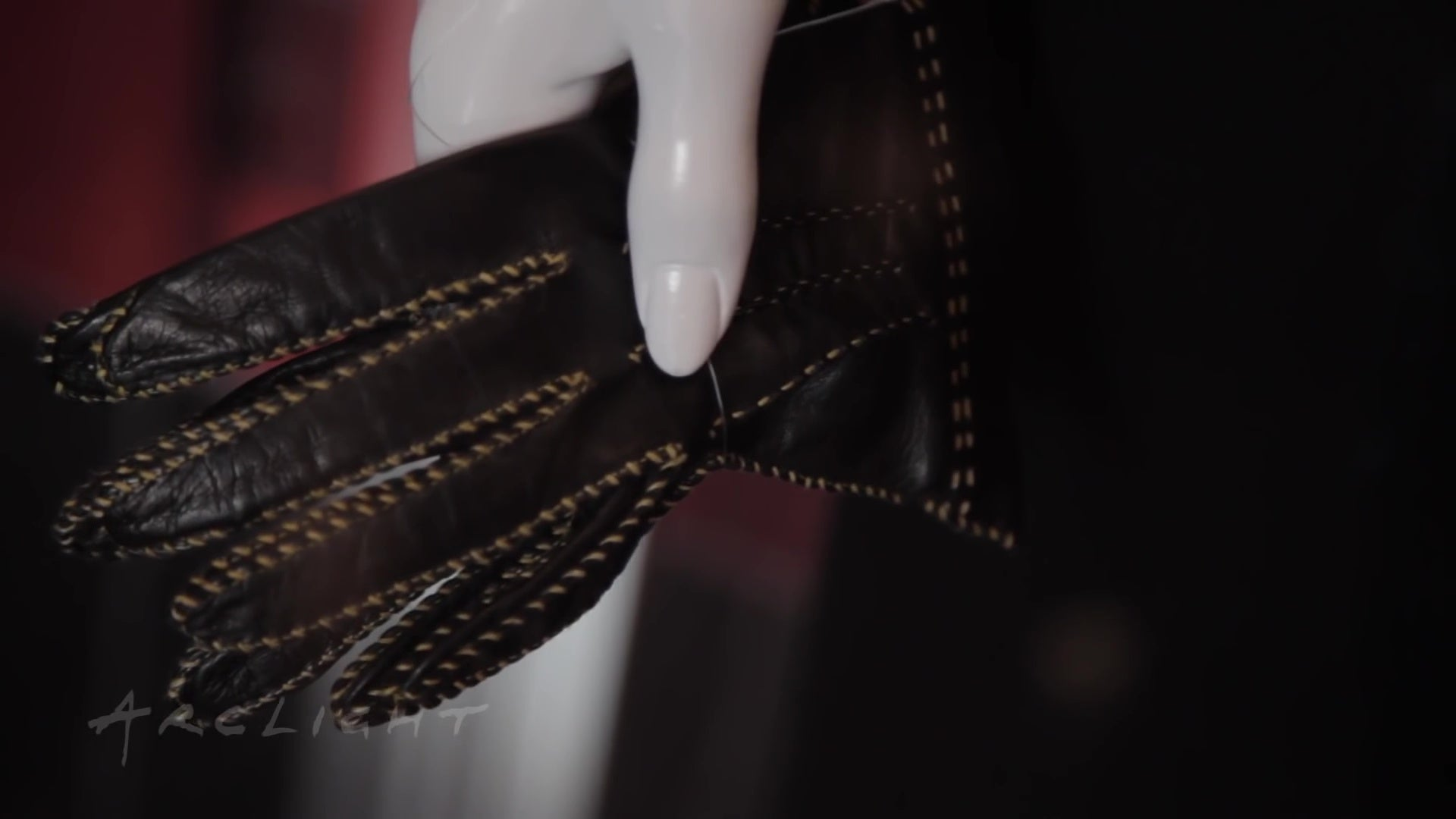 Gaspar leather driving gloves - Arclight Stories Hail Caesar Cinematography And Costume Design