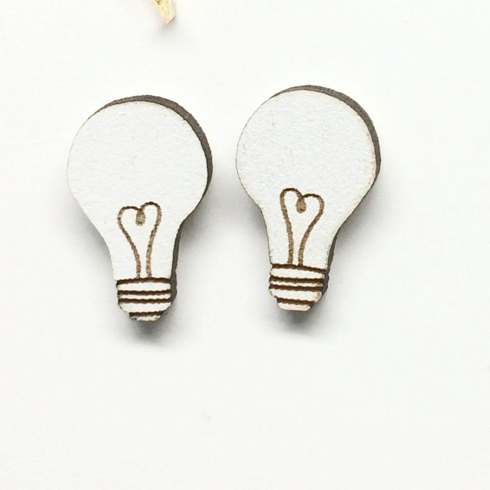 Lightbulbs White Studs