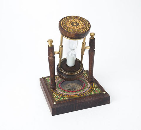Rotating Hourglass w/ Compass