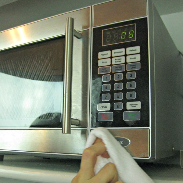 Tidy Tip Tuesday: Cleaning your microwave