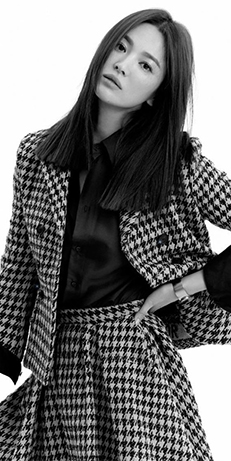 Song Hye-Kyo in a houndstooth set
