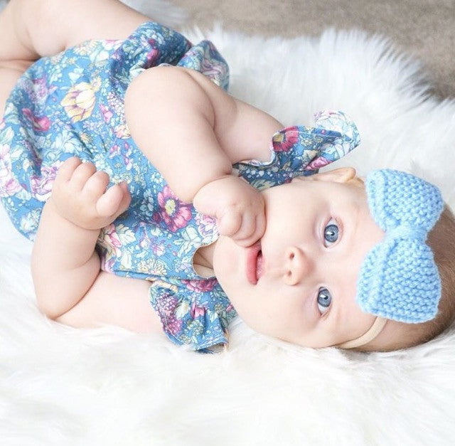 Classic Knitted 3 Piece Bow SET - Baby Blue & White