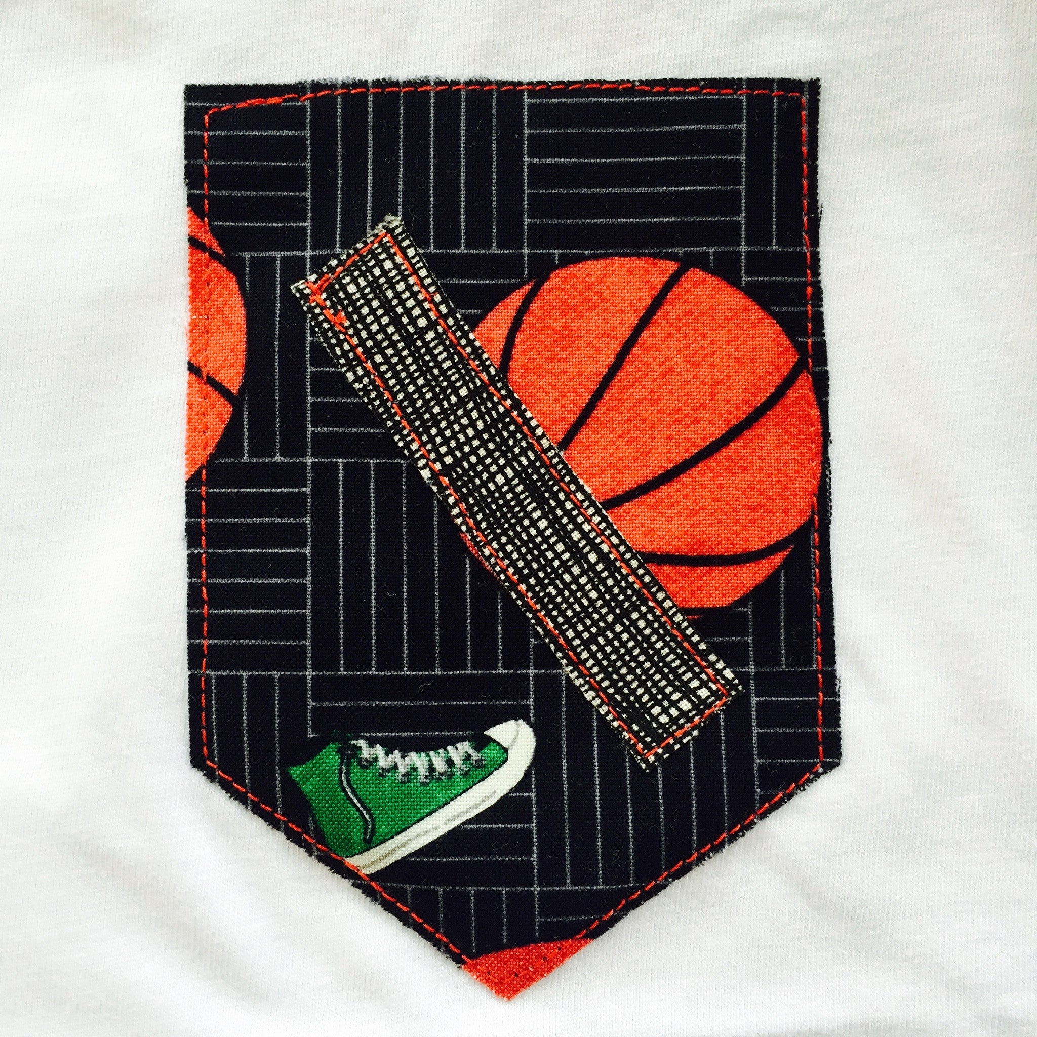 T-Shrt - Classic White with Basketball print