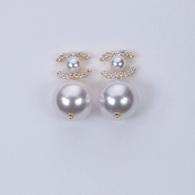 C-fresh water pearl dangling earrings