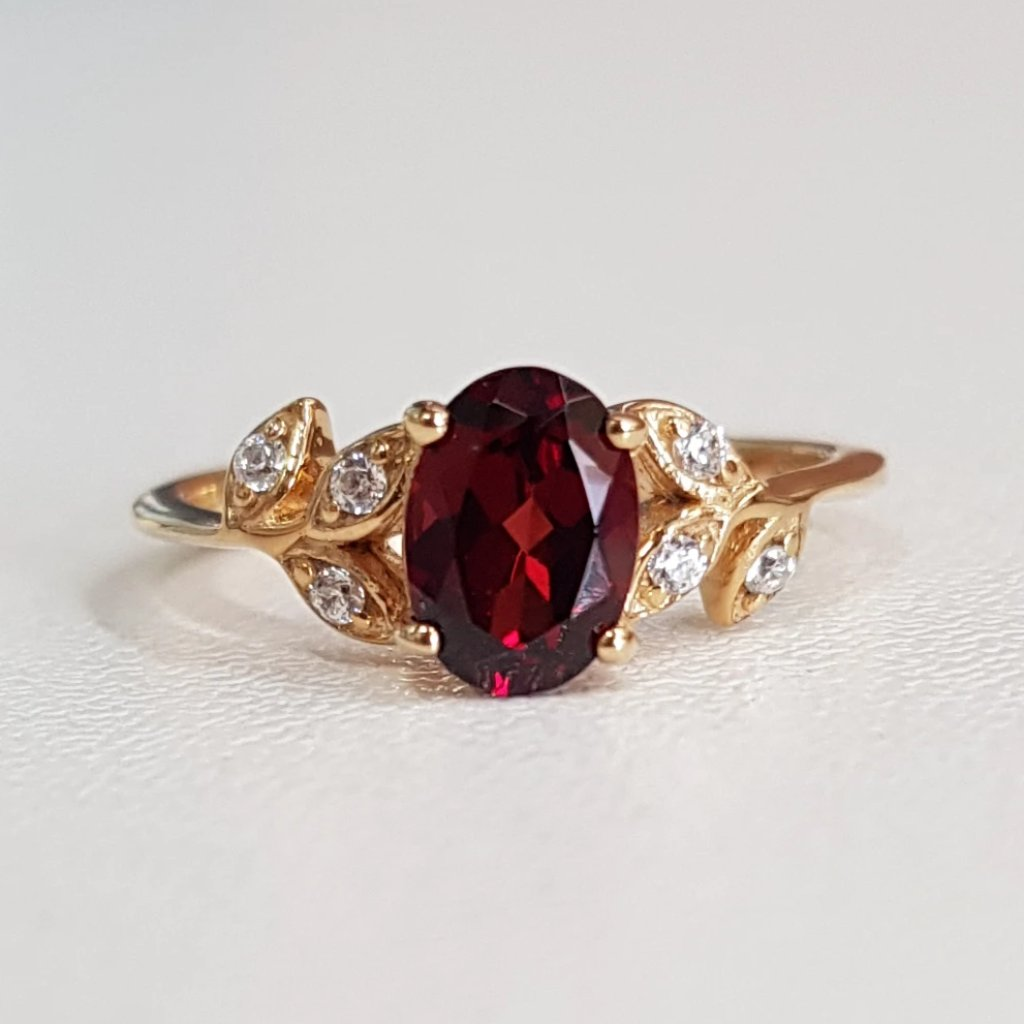 Garnet leaf design ring