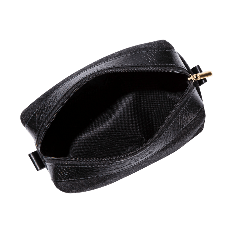 monte-and-coe-black-wool-dopp-kit-interior