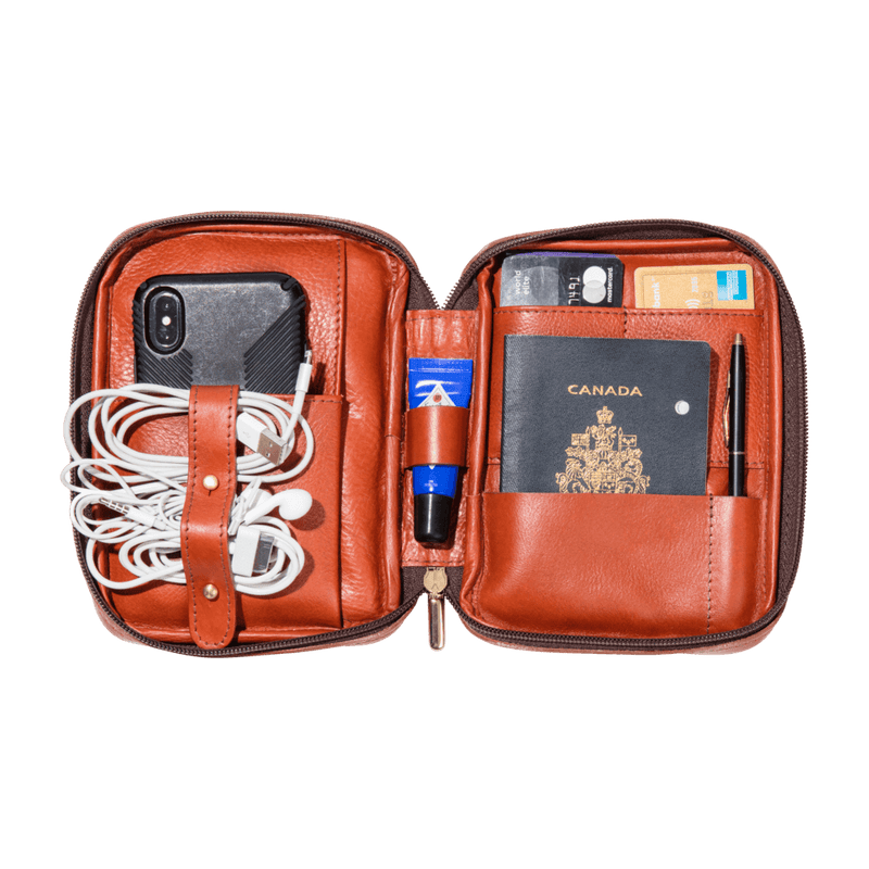 monte-and-coe-cognac-leather-passport-holder-interior