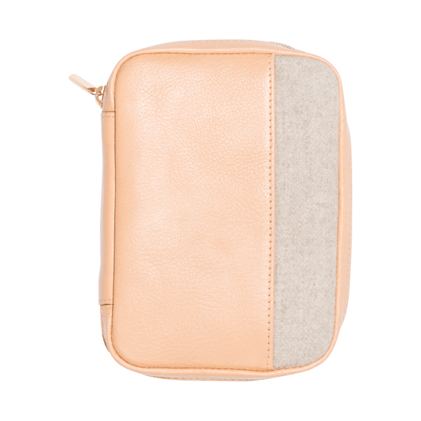Leather Passport Holder in Nude