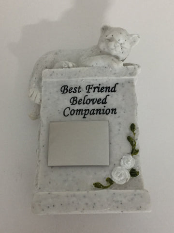 Garden Memorial Stone. Cat figurine. Engraving included.