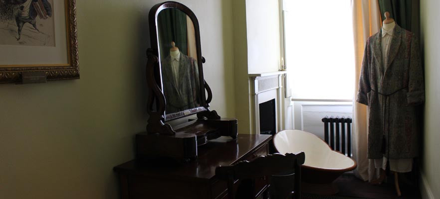 Dressing Room at 48 Doughty Street, including a tin hip bath, similar to the sort the Dickens family would have used when they lived here in the 1830s. Credit: Charles Dickens Museum.