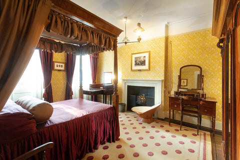 The Dickenses Bedroom, Charles Dickens Museum