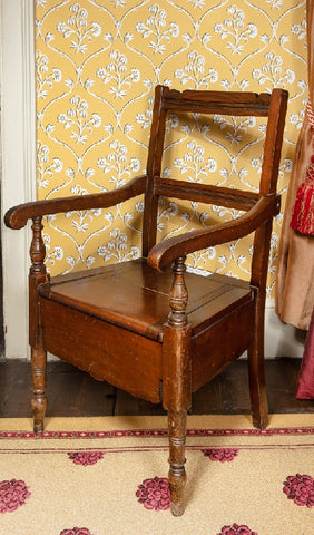 Dickens's commode
