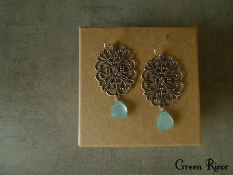 Vintage Elegant Aquamarine Earrings