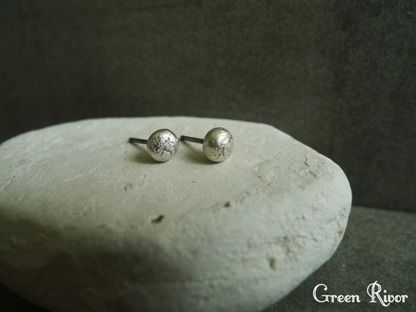Silver Moon Stud Earrings/Mini Silver Stud Earrings/Moon Earrings Sterling Silver/Simple Silver Stud Earrings