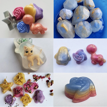 Load image into Gallery viewer, Variations of final glycerin soap