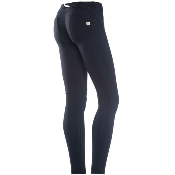 WR.UP® Low Waist Emana Sort (N)