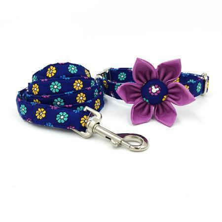 The Flower Power™ Fashion Pet Set of Collar & Leash Artist Collars & Harnesses Pet Clever collar flower leash XS