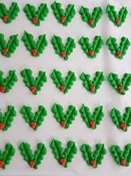 Holly Leaf & Berry Edible Christmas Cake Decorations