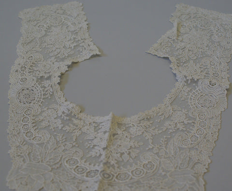Vintage Victorian Hand Made Lace collar.