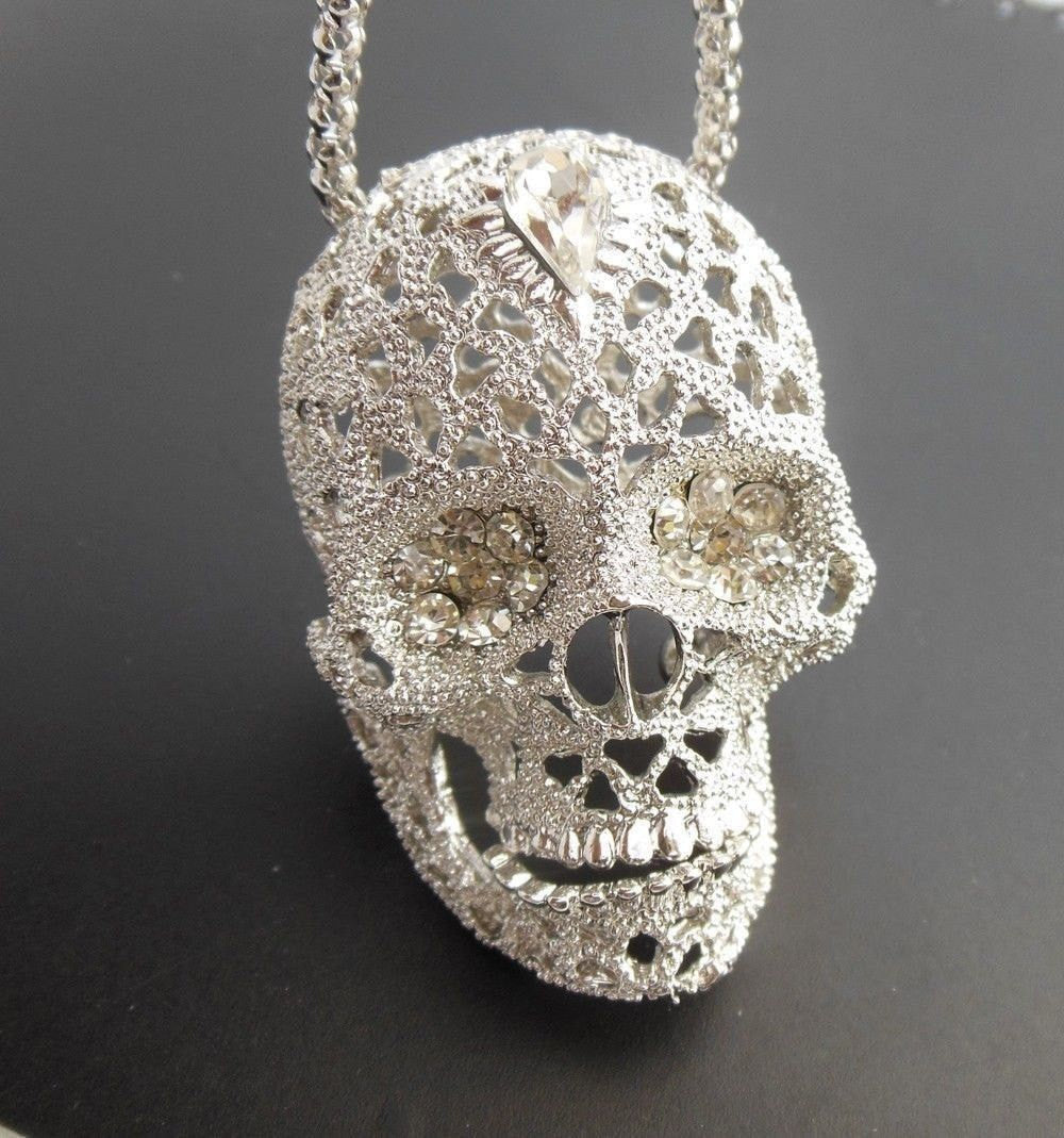 Vintage hollow crystal skull necklace pluto99 vintage hollow crystal skull necklace mozeypictures Images